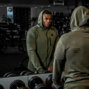 Jachete și bluze de trening