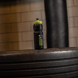 Sticla pentru apa Classic Sport 750ml - Negru cu verde - Sticla GorillaWear